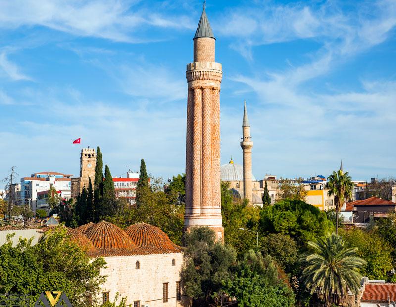 مسجد ییولی مناره در تور آنتالیا