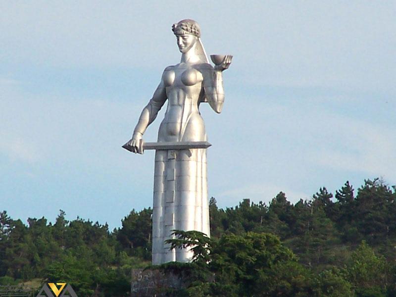 مجسمه کارتلیس ددا مادر گرجستان
